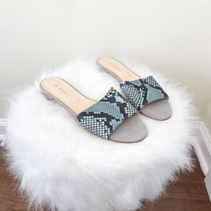M. Gemi Blue Snake Print Slide Sandals Size 7.5